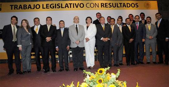Estaremos al pendiente de salud de Fausto y debe notificar ausencia al Congreso: diputados PRD