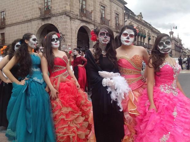 Desfile De Catrinas En El Centro Histórico De Morelia Ahuizote