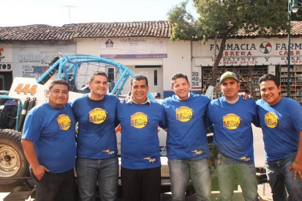 Felicita Ayuntamiento de Huetamo a campeón nacional huetamense Iván Jaimes