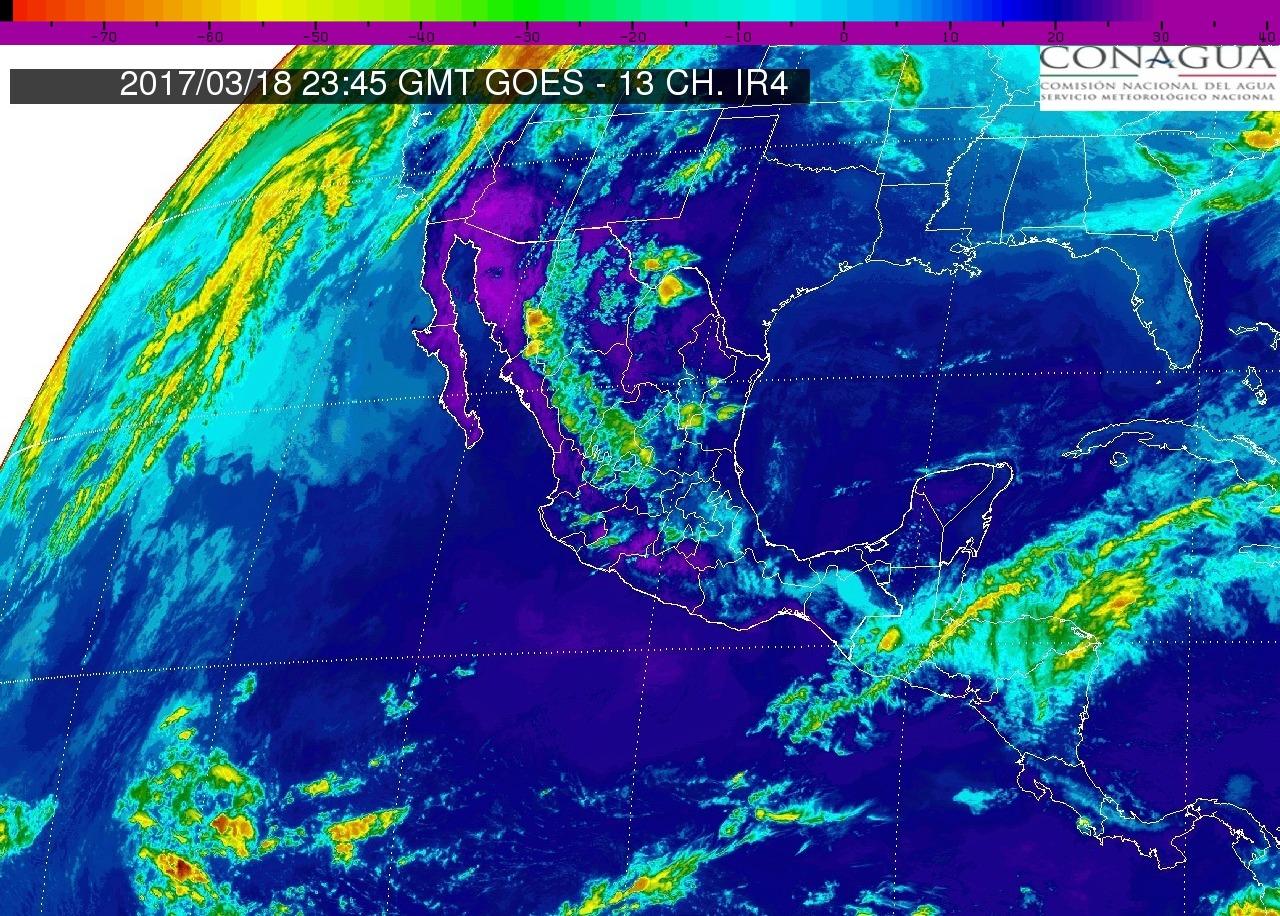 En Michoacán y en el Pacífico Centro: Cielo medio nublado, lluvias escasas en la región. Ambiente cálido.