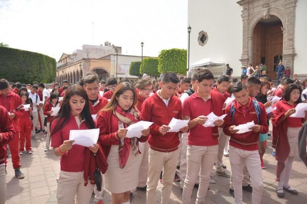 Instituciones educativas de Michoacán participan en el Récord Mundial de Lectura Colectiva