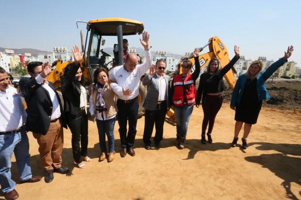 Coloca SEE primera piedra para construcción de nuevos espacios educativos