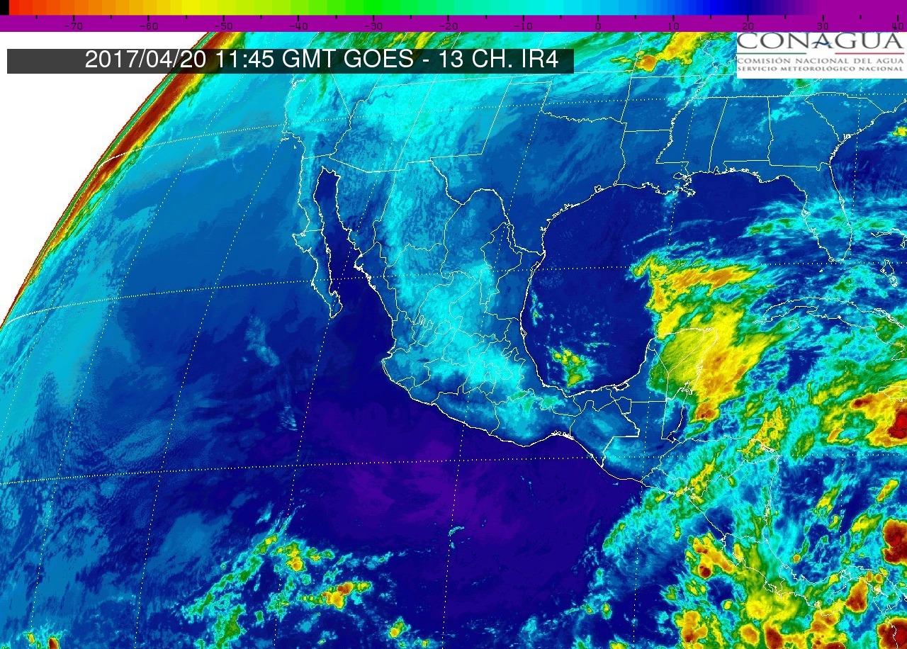 Pacífico Centro: En Michoacán cielo parcialmente nublado. Ambiente muy caluroso. Viento del oeste y noroeste de 15 a 30 km/h