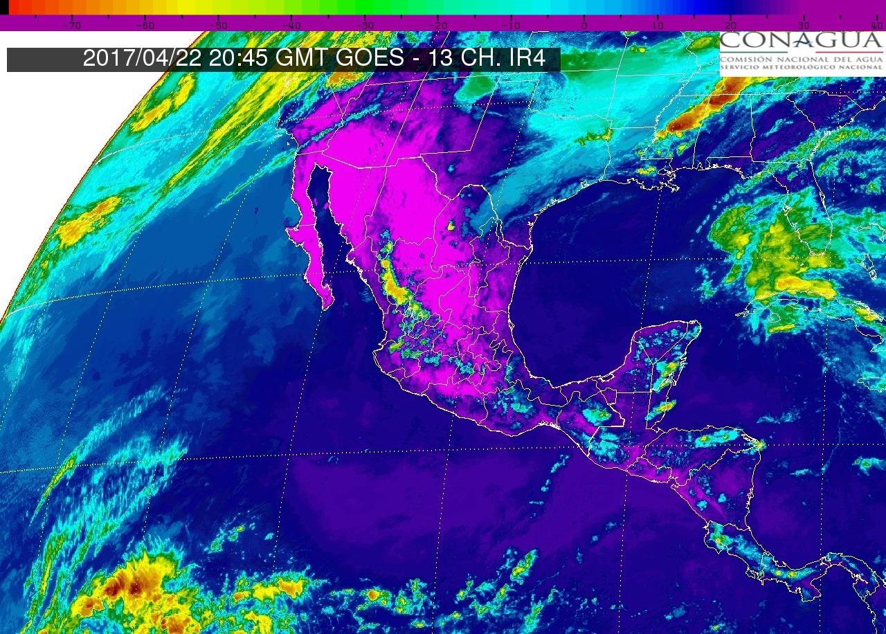 Pacífico Centro: Cielo parcialmente nublado. Lluvias aisladas en Michoacán. Ambiente muy caluroso. Viento del oeste y noroeste de 15 a 30 km/h