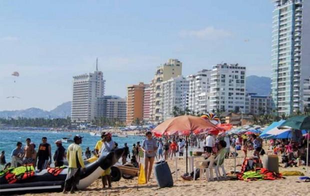 Ayuntamiento de Acapulco no permite acampar en las playas y habilita Unidad deportiva como alternativa