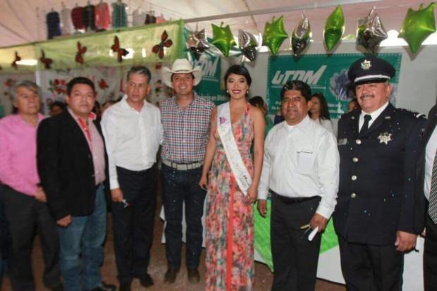 Inaugura Cofeeem la Feria de Maravatío