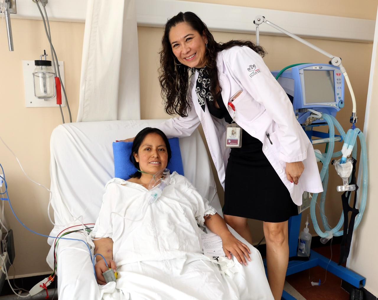 Doctora del ISSSTE  la 1ª mujer en realizar un trasplante de corazón en México, y la 1ª en América Latina en realizar cirugía robótica de corazón