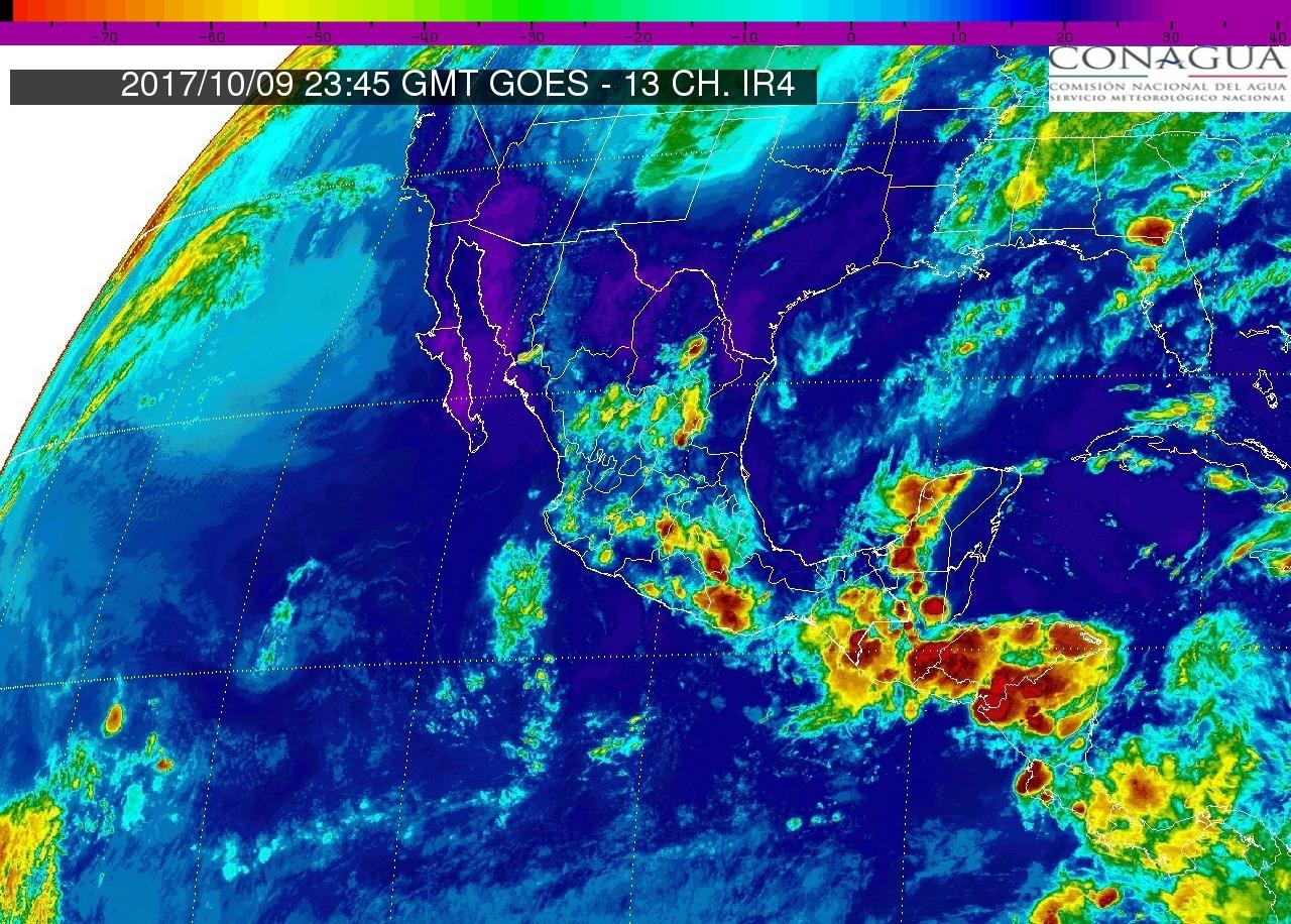 Intervalos de chubascos con tormentas puntuales fuertes (25 a 50 mm) en Michoacán, mañana martes