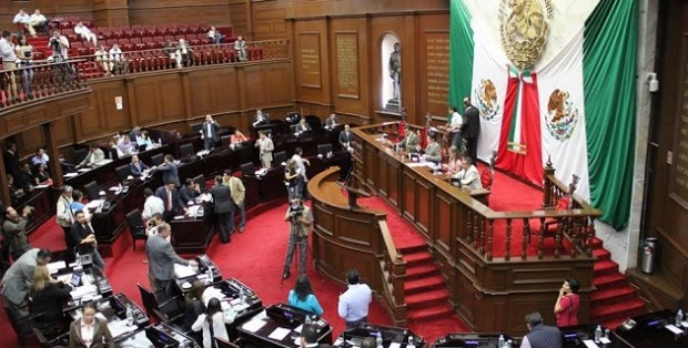 Definen diputados actividades conmemorativas del centenario de la constitución michoacana