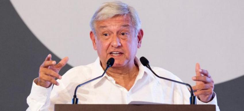 AMLO pide confianza en su proyecto a banqueros