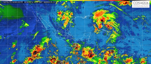 Cielo medio nublado la mayor parte del día, tormentas puntuales fuertes con descargas eléctricas y caída de granizo en Michoacán, este lunes