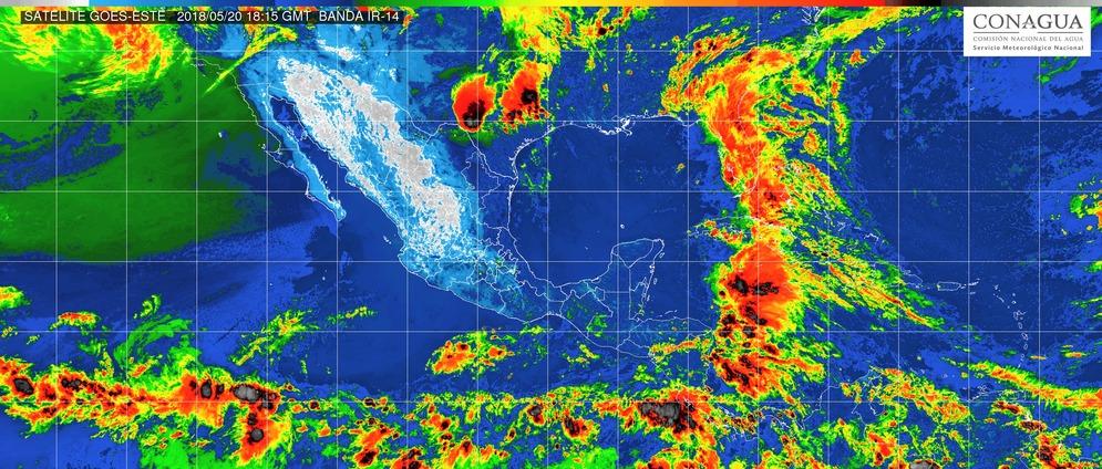 Lluvias dispersas en Michoacán. Ambiente muy caluroso durante la tarde y viento de dirección variable de 15 a 30 km/h.