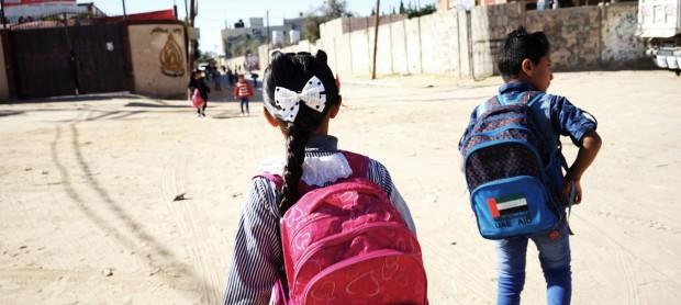 Los niños palestinos inician un curso escolar con posible fecha de caducidad
