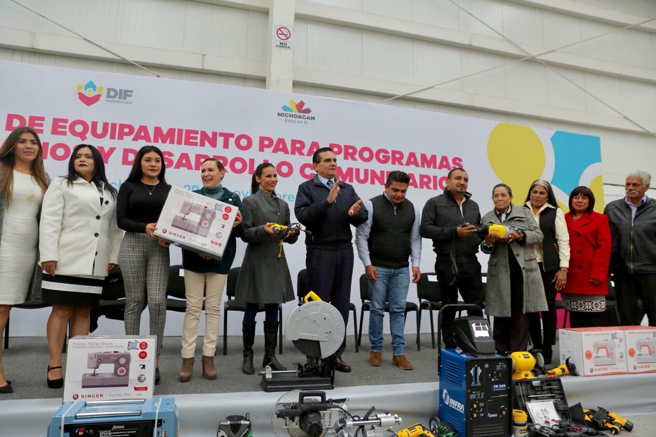 Continuaremos gestiones para apoyar a municipios; afirma Silvano Aureoles