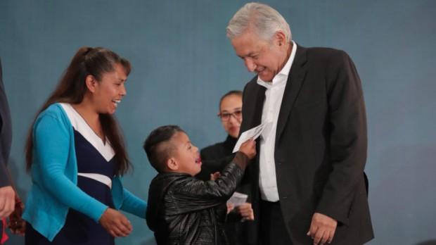 Apoyos de Programas Integrales de Bienestar llegan a Tlaxcala: AMLO