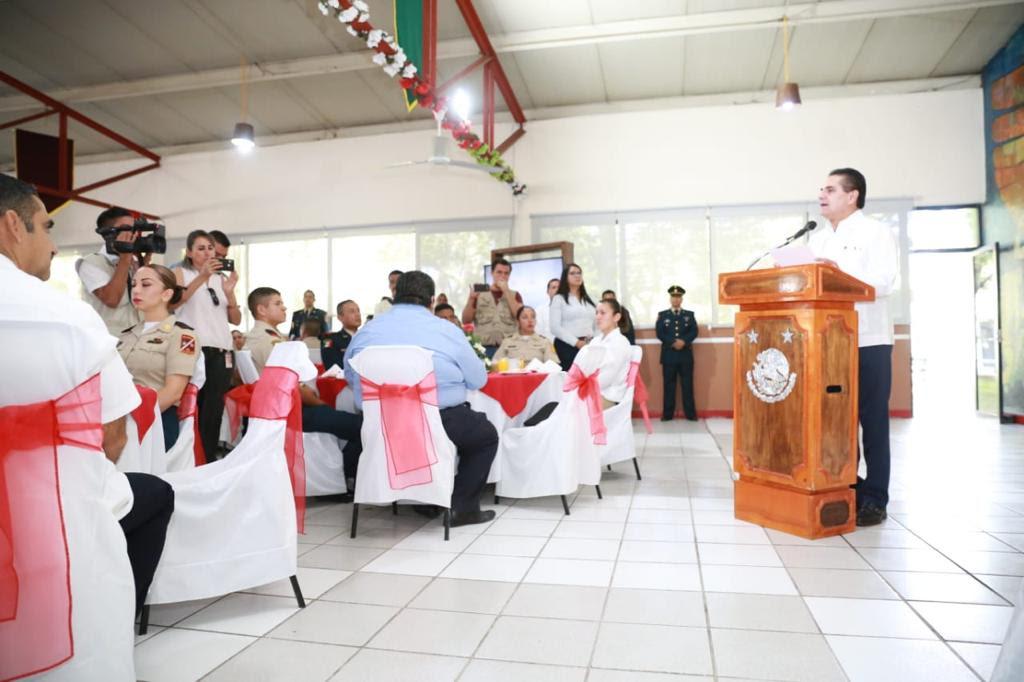Celebra Silvano Aureoles Día del Ejército Mexicano en Apatzingán