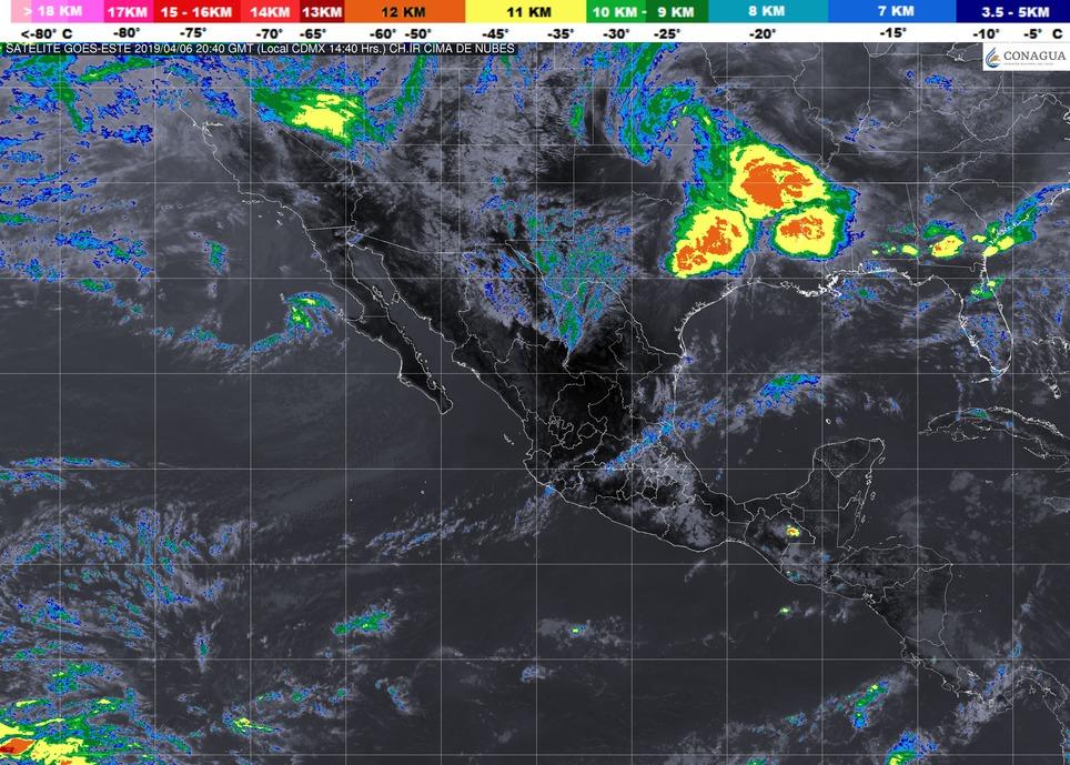 Cielo parcialmente nublado y ambiente caluroso durante el día. Viento del oeste de 15 a 30 km/h. en Michoacán este sábado