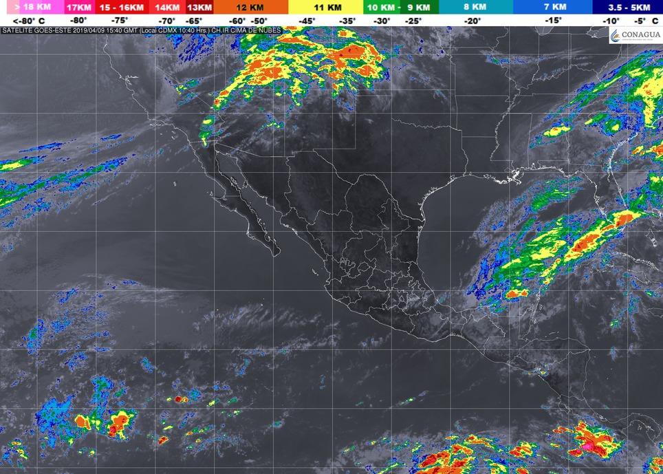 Cielo parcialmente nublado. Ambiente caluroso durante el día. Viento del oeste de 10 a 25 km/h con rachas que pueden superar los 40 km/h. en Michoacán este martes