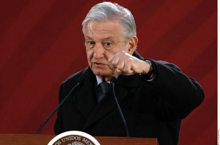 Presenta Presidente AMLO 'quién es quién' en precios de combustibles y portal que transparenta nómina de servidores públicos