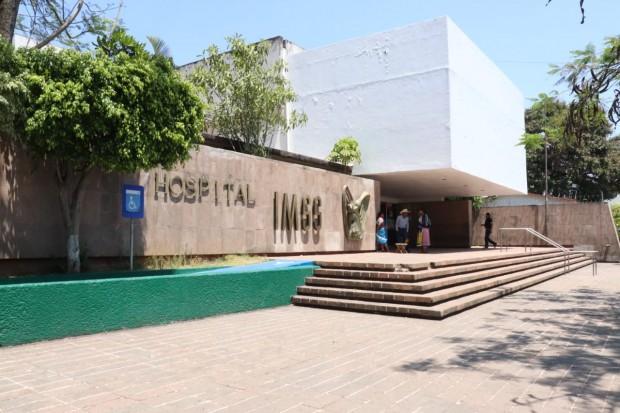 Activa IMSS protocolo de protección Civil en Hospital de Uruapan por humo proveniente de incendio forestal