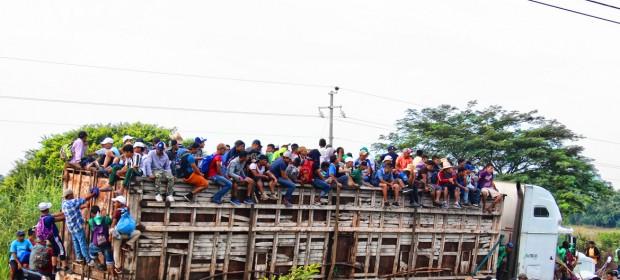 La caravana de migrantes centroamericanos pasa por Chiapas, México.
