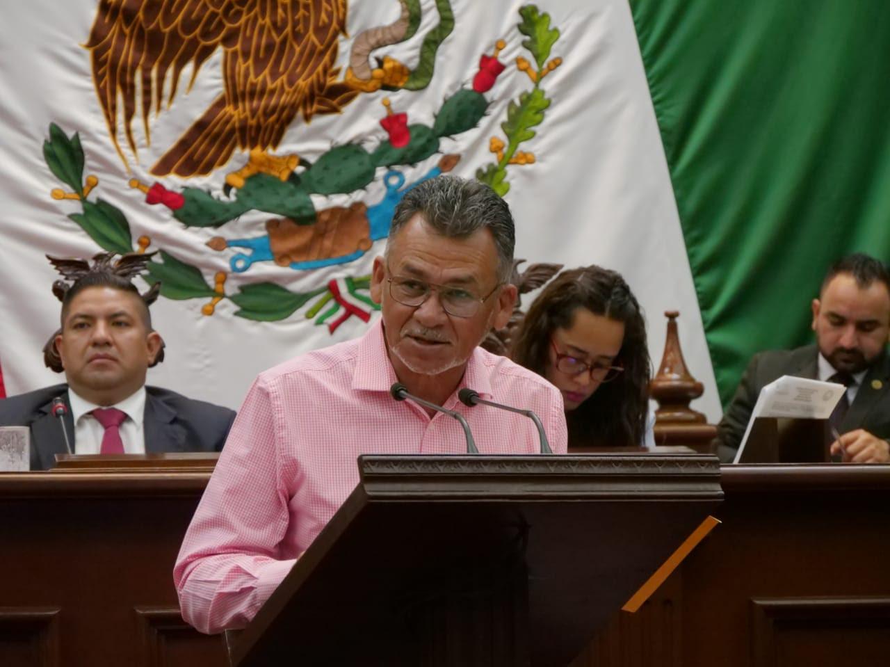 Regulación de partidos políticos en Michoacán, propone diputado Sergio Báez