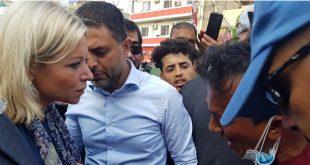 La representante especial de las Naciones Unidas para Iraq, Jeanine Hennis-Plasschaert, visita la plaza Tahir en Bagdad.
